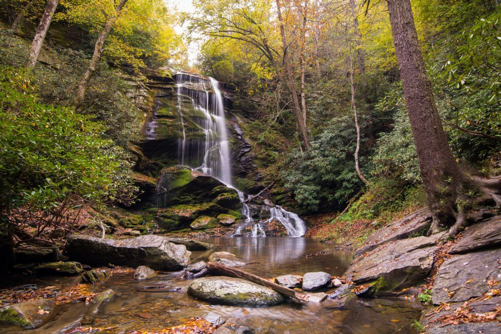 waterfall-hikes-near-asheville-30